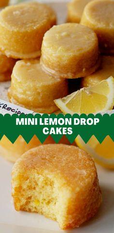 Mini Desserts, Easy Desserts, Delicious Desserts, Yummy Food, Plated Desserts, Lemon Drop Cake Recipe, Lemon Dessert Recipes, Sweet Recipes, Mini Cake Recipes