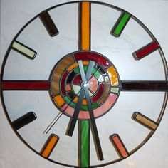 Stained glass wall clock Stained Glass Lamps, Stained Glass Designs, Stained Glass Projects, Stained Glass Patterns, Leaded Glass, Stained Glass Windows, Mosaic Glass, Fused Glass, Decoration