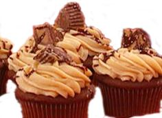 Peanut Butter Cup cupcake recipe from Buddy Valastro, The Cake Boss!   These scrumptious cupcakes are not very hard to make, but they look like you slaved for hours, or better yet, that you bought them at Carlo's Bakery in Hoboken, N.J. !!