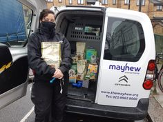 Helping Animals, Helping People - Mayhew Team up With Local Food Banks to Supply Dog and Cat Food for Pets in Need With almost 205,000 people in London alone regularly relying on a food bank to have enough to eat, we know that many pet owners are also facing an impossible choice between providing for themselves or buying food for their beloved animals. Thankfully, organisations like the Trussell Trust are working around the clock to help end […] #Cat, #Cats, #Cu