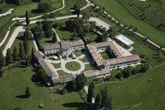 Relais Corte Paradiso – Peschiera del Garda for information: Gardalake.com