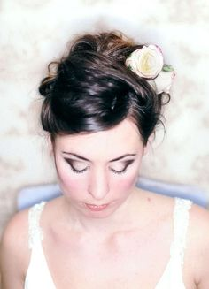 Bridal Style: Pretty British Roses – Uncomplicated and Natural Hair and Make-Up