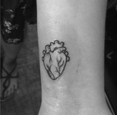 small anatomical heart tattoo - Google-Suche