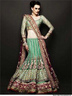 15 Bridal Lehengas For Your Mehendi Ceremony | Designer Lehenga Cholis