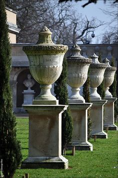 Chiswick House / Stone Urns | por Images George Rex