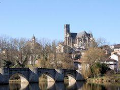 LIMOGES - Le pont Saint Etienne.