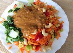Kokos Quinoa bowl met Pinda dressing - Hungry For Healthy Food