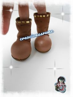 Muñequitas fofuchas de goma eva Creacionesreme-botas de fofucha -botas 10de87ba94ed1