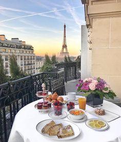 Regardez cette photo Instagram de @topparisresto • 9,422 J'aime  #resto #paris #parisresto #topparisresto #eatinparis #bonnesadresses #bonneadresse #restaurant #restaurantparis #parisrestaurant #cafe #café #coffee