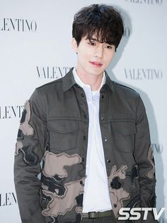 Lee Dong Wook my current obsession Asian Actors, Korean Actors, Korean Idols, Korean Dramas, Lee Dong Wook Wallpaper, Lee Dong Wok, Playful Kiss, Park Bo Young, Gumiho