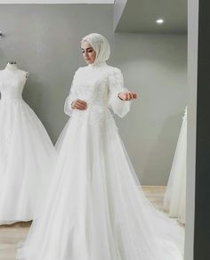 Hijabi Wedding, Muslimah Wedding Dress, Muslim Wedding Dresses, Muslim Brides, Wedding Dress Sleeves, Dream Wedding Dresses, Bridal Dresses, Dress Muslimah, Bridesmaid Dresses
