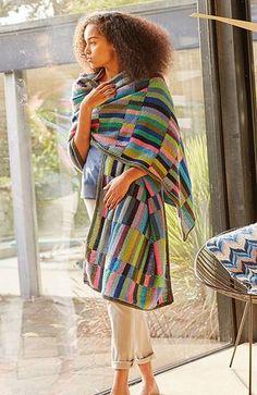 Åkander. Meget flot stola, sjal eller sengeløber af Kaffe Fassett. Den kan selvfølgelig gøres større eller mindre. Strikket i intarsia-teknik i 100 % bomuld. Pinde 3½-4.