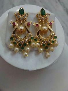 J Gold Jhumka Earrings, Jewelry Design Earrings, Gold Earrings Designs, Gold Jewellery Design, Small Earrings, Necklace Designs, Ring Earrings, Pearl Jewelry, Bridal Jewelry