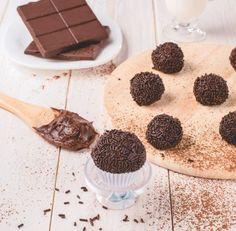 Brazílske čokoládové guličky Brigadeiro | Recepty.sk Cereal, Cheesecake, Cookies, Breakfast, Food Design, Ovaltine, Spices, Dessert, Ideas