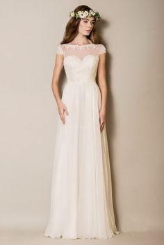 Egyenes, törtfehér chiffon menyasszonyi ruha