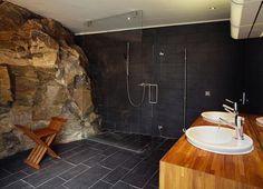 Oh this bathroom!!!!