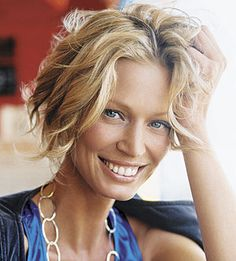 3 Sexy Short wavy Haircuts & hairdos for ladies 3 sexy short wavy haircuts hairdos for ladies 20 photo Haircuts For Wavy Hair, Blonde Bob Hairstyles, Blonde Wavy Hair, Cool Short Hairstyles, Wavy Curls, Curls Hair, Short Blonde, Hair Styles 2014, Medium Hair Styles