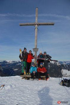 Schöne Einstiegstour mit keinen besonderen Schwierigkeiten. Die 950 Hm Aufstieg erfordern allerdings eine entsprechende Grundkondition. Der Ausblick vom Gipfel des Lug ist grandios und verschafft einen guten Überblick auf andere möglichen Skitouren im Bregenzerwald. Portal, Alps, Nice Asses