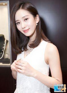 Actress Liu Shishi  http://www.chinaentertainmentnews.com/2016/03/liu-shishi-at-brand-event.html