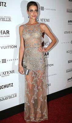 A modelo brasileira Ana Beatriz Barros. #casamento #vestido #transparente