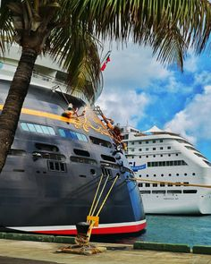 Disney Dream & Norwegian Sky side by side at the harbour of Nassau!