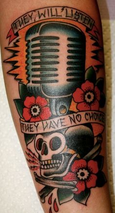 Old School Microphone Tattoos for Men is a part of Microphone Tattoo Designs gallery, and if you like this image we think you should look at some more tattoos Body Art Tattoos, New Tattoos, Sleeve Tattoos, Tattoos For Guys, Cool Tattoos, Tatoos, Mic Tattoo, Microphone Tattoo, Tattoo Music