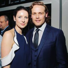 """hereinthemountains:  pinksunset2905:  outlanderitaly:  Variety: """"#Outlander stars @caitrionabalfe and @samheughan donned matching navy blue looks at @tvguidemagazine and Starz's celebration of the drama series.""""   Squeeeee thank you whoever found it!!!! Omg   Sweet ! Journalists noticed the match!"""