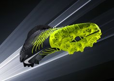 Nike Vapor HyperAgility Cleat debuts for shuttle drill using SLS plate construction; One of three cleats influenced by printing technology. Football Cleats, Football Boots, Football Players, Nike Design, Sport Design, 3d Printed Objects, Turf Shoes, 3d Printing Technology, Marketing Technology