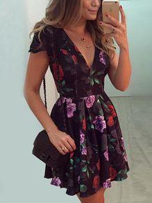 Vestidos esenciales de verano 2017 http://beautyandfashionideas.com/vestidos-esenciales-verano-2017/ #Fashion #Fashiontips #fashiontrends #ideasdemoda #Ideasdeoutfits #Moda #Moda2017 #Outfits #Outfitsideas #summer #summertrends #tendenciasdemoda #Tipsdemoda #Trends #Vestidosesencialesdeverano2017