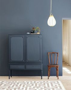 Jotun& color LADY 4477 Deco Blue interpreted by the Plaza Interior. Styling: Elin Hermansson Photo: Helén Pe Source by andrejkalkofol. Interior Design Living Room, Living Room Decor, Interior Decorating, Color Interior, Interior Styling, Dining Room, Ikea Ps, Home And Deco, Blue Walls
