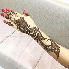 Mehndi Designs will blow up your mind. We show you the latest Bridal, Arabic, Indian Mehandi designs and Henna designs. Mehndi Designs 2018, Modern Mehndi Designs, Mehndi Design Pictures, Beautiful Mehndi Design, Arabic Mehndi Designs, Mehndi Images, Bridal Mehndi Designs, Bridal Henna, Mehandi Designs