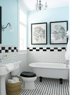 black and white traditional bathroom decor - Decor Craze : Decor Craze black and white bathroom decor - Bathroom Decoration White Traditional Bathrooms, Black White Bathrooms, White Bathroom Decor, Black And White Tiles, Bathroom Design Small, Bathroom Colors, Bathroom Styling, Bathroom Black, Black And White Bathroom Ideas