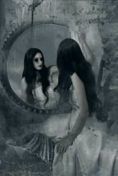 Gothic reflection~~~ IT'S LILTH FROM NEVERMORE!!!! BEWARE OF BESS!!!!
