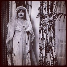 Glam #Edwardian actress Lily Elise on her #wedding day in Nov 1911. Look at those #pearls! Photos via @chicvintagebrides. #tbt #jewelry #vintagewedding | Diamonds in the Library