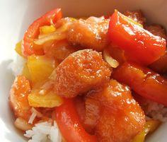 Mijn variatie op Chinese zoetzure kip, maar dan anders. Dit keer met kip in een laagje panko paneermeel. Maak op deze manier eventueel je eigen kipnuggets!