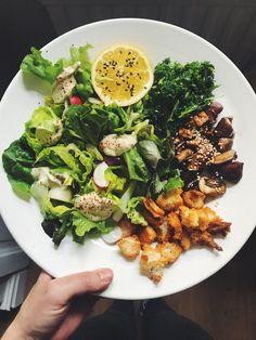 Vegansk caesarsallad med grönkål, chilikrutonger och sojasvamp   Siri Barjes blogg