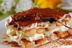 Tiramisu is a traditional Italian dessert that you can now make in your own kitchen. Try this delicious treat today with CH Sugar! Homemade Tiramisu, Easy Tiramisu Recipe, Tiramisu Dessert, Sweet Recipes, Snack Recipes, Dessert Recipes, Tiramisu Original, Delicious Desserts, Just Desserts