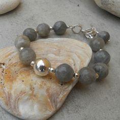 Labradorite  & Sterling Silver Bracelet (25) £25.00