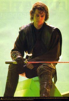 Anakin (Hayden Christensen) descansando entre toma y toma de su duelo con Obi-Wan