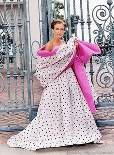 The lovely author Danielle Steel~~ photo by Brigitte Lacombe- Just pick a novel and relax! Her books are comforting and unique. Danielle Steel, Brigitte Lacombe, Fashion Bible, Couture Dresses, Passion For Fashion, Style Icons, Evening Gowns, Ball Gowns, Vintage Outfits