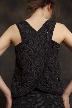 love this crisscross back, need to make a top like this / alabama chanin