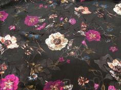 Jedwab devore czarno-ametystowe kwiaty
