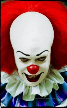 Pennywise The Clown( Stephen King's I.T) played by Tim Curry Clown Horror, Horror Monsters, Arte Horror, Horror Art, Clown Cirque, Le Clown, Creepy Clown, It The Clown, Penny Wise Clown