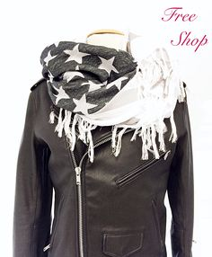 Leather Weather!! Snag this @itsjunewear Beauty at 40% Off!! Shop Free Shop Till 5 Today, Only 1 Left!! #shopfreeshopsh #saleseason #leatherweather