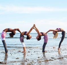 #yoga #yogainspiration 3 People Yoga Poses, 3 Person Yoga Poses, Group Yoga Poses, Acro Yoga Poses, Partner Yoga Poses, Couple Yoga, 2 Person Stunts, Gymnastics Stunts, Photo Yoga