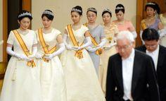 Bling! De mooiste tiara's van de Japanse royals  | Beau Monde