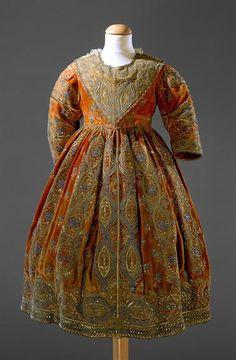 Dress, 1670's, Museu Nacional do Traje.