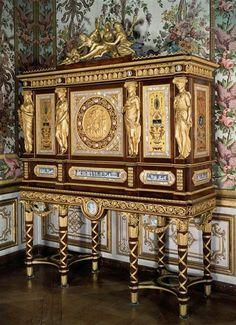 Jewelry armoire of Marie-Antoinette - La chambre de La Reine à Versailles, France