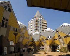 Clássicos da Arquitetura: Kubuswoningen (Casas Cubo) / Piet Blom