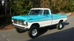1969 High Boy - photo is a tad off, but she sure is a purr-dee boy! Classic Ford Trucks, Lifted Ford Trucks, 4x4 Trucks, Classic Cars, Best Pickup Truck, Chevy Pickup Trucks, F100 Truck, Truck Paint Jobs, Ford Ranger Truck